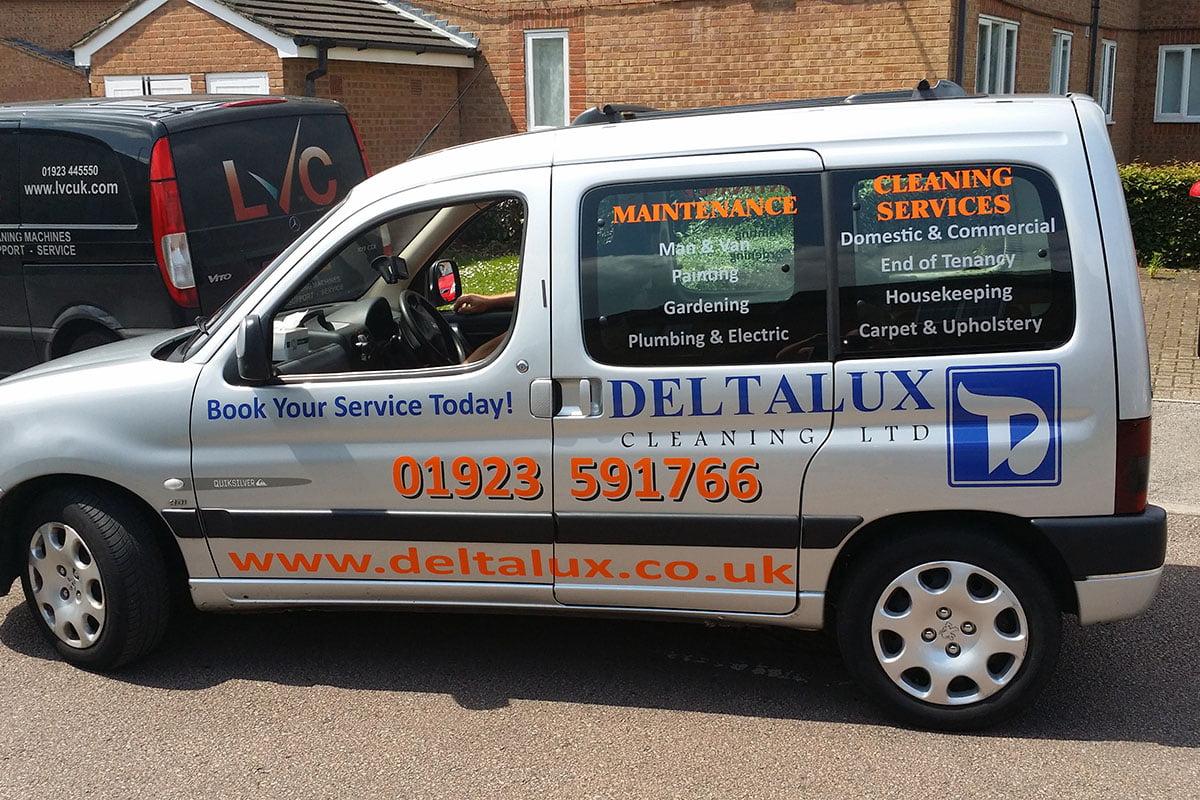 Deltalux-van-signage